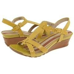 Kenneth Cole Reaction Sunny Dew Yellow Lizard Sandals