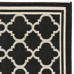 Poolside Black/ Beige Indoor Outdoor Rug (24 x 67)